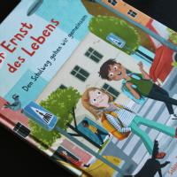 Sabine Jörg und Anne-Kathrin Behl - Der Ernst des Lebens: Den Schulweg gehen wir gemeinsam